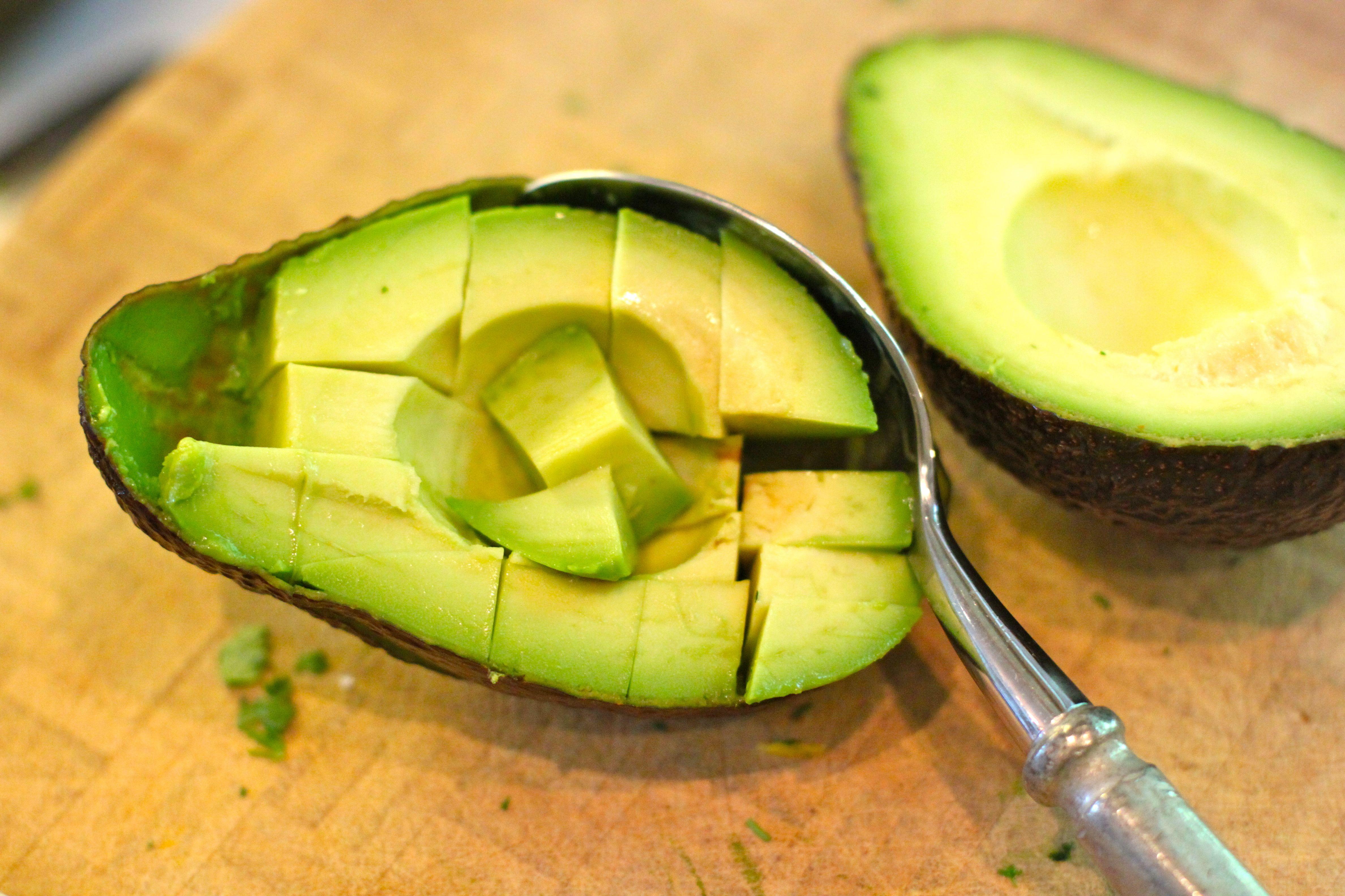 How to Pit and Cut an Avocado | Dalai Lina